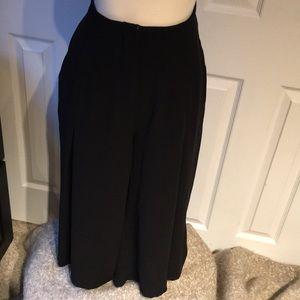 Pants - Wide leg pleated Capri dress pant w huge pockets